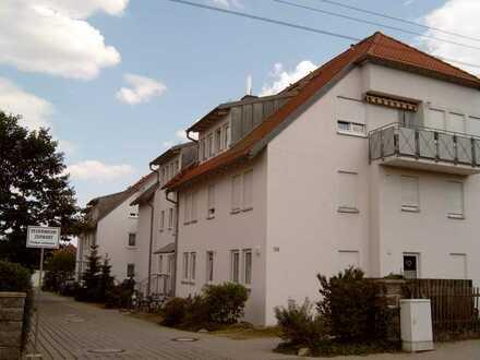Dresden Weixdorf - Ruhige, sehr schön gelegene Einzimmerwohnung mit Balkon, EBK und Stellplatz