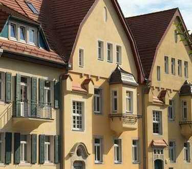 Erstbezug * liebevoll, ökologisch sanierte Dachgeschoss Wohnung
