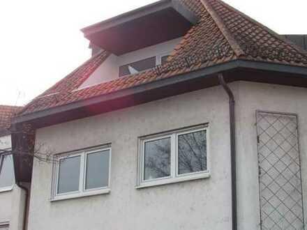 Großzügige 4-Zimmer-Dachgeschoss-Wohnung in zentraler Wohnlage von Viernheim