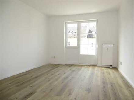 ***Familienwohnung mit Balkon*** 3 Zimmer am Straussee