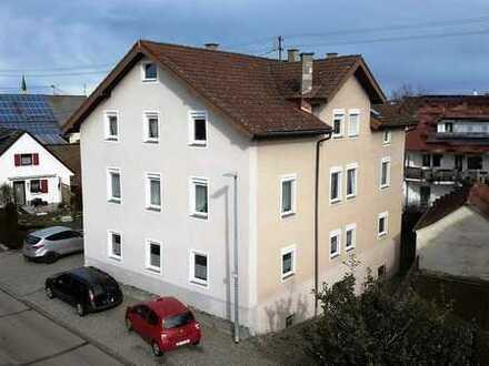 Mit großartigem Potential! Dreifamilienhaus mit großzügigen Wohnungen und sagenhaftem Platzangebot