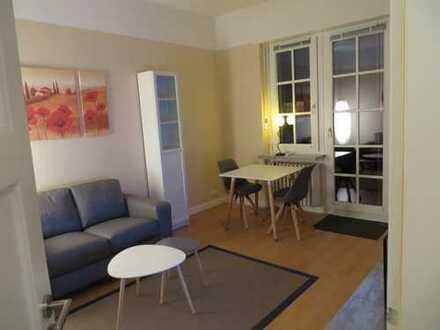 Schöne, vollmöblierte drei Zimmer Wohnung in Bonn, Kessenich