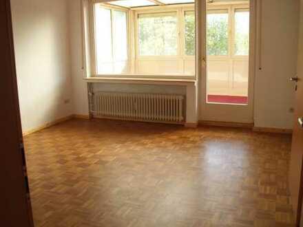 Vollständig renovierte 3-Zimmer-Penthouse-Wohnung mit Einbauküche in Bodenwerder