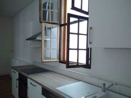 Modernisierte 2-Zimmer-Wohnung mit Einbauküche in Landau