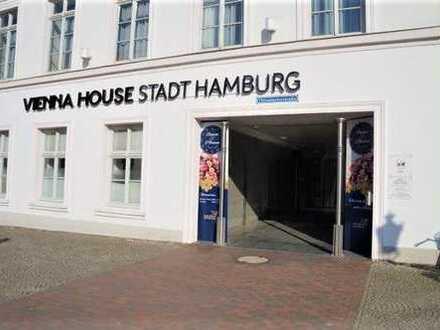 ebenerdiges Ladengeschäft in belebter Einkaufstraße von Wismar an der Ostsee