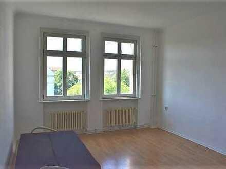 WG Zimmer in gut durchdachter 4-Zimmer-Wohnung in Friedrichshain