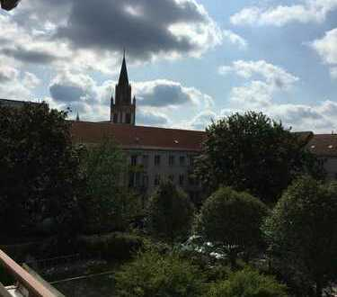 Erstbezug nach Sanierung mit Balkon: ansprechende 2,5-Zimmer-Wohnung in Neubrandenburg