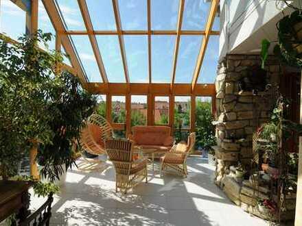 Großzügiges Einfamilienhaus mit Wintergarten in ruhiger Lage, Wohnen und Arbeiten unter einem Dach