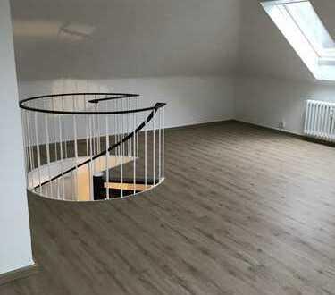 ***Helle, frisch renovierte Maisonettewohnung in Rodenkirchen***