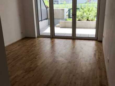 Neuwertige 1-Zimmer-Wohnung mit Terrasse in Neuburg