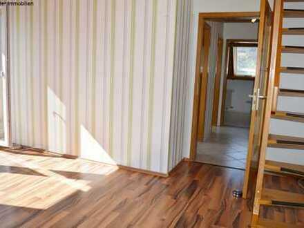 sofort frei - tolle Wohnung über 2 Etagen mit Balkon, Keller + Stellplatz
