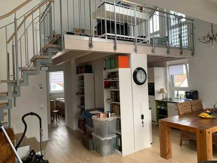 Exklusive, hochwertige 2,5-Zimmer-Maisonette-Wohnung mit Dachterrasse und Einbauküche in March