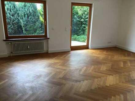 Freundliche 4,5-Raum-EG-Wohnung mit EBK, Terrasse und Garten in Hopfen