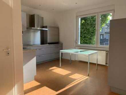 helle 5-Zimmer-Wohnung mit EBK in zentraler Wohnlage