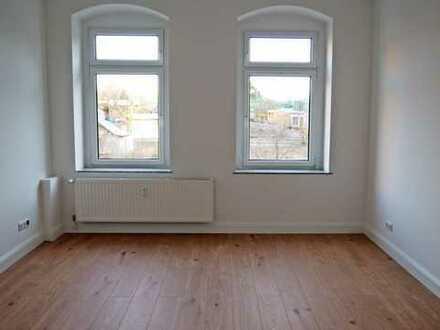 Wunderschöne 2-Raum-Wohnung mit Einbauküche und Balkon!