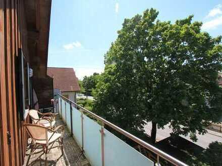 Großzügig geschnittene 3-Zimmerwohnung mit Westbalkon in Berglern!