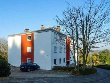Komplett möbliertes Appartement mit Sonnenbalkon in schöner und ruhiger Höhenlage!
