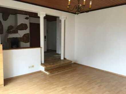 Schöne, ruhige zwei Zimmer Wohnung in Herrenberg Oberjesingen