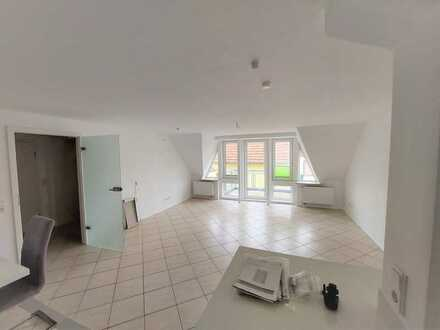 Modernisierte 4 Zimmer Maisonette-Wohnung am Altrhein in Bobenheim-Roxheim