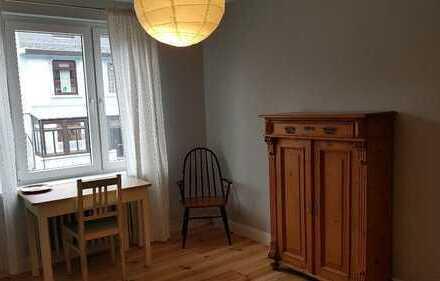 Vermiete 2 Zimmer im Einfamilienhaus