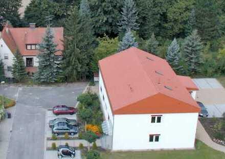 Bürogebäude 5 km östlich von Erlangen Zentrum - im Grünen