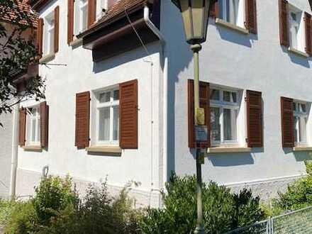 Charmantes Wohnhaus mit Garten und optional angrenzender 200m² Bürofläche/Atelier/Werkstatt