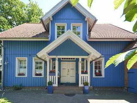 Super charmantes, freistehendes Ein-bis Zweifamilienhaus