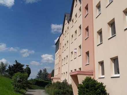 Neu modern sanierte Zwei-Raum-Wohnung Dachgeschoss ruhige Lage mit Blick auf die Augustusburg!