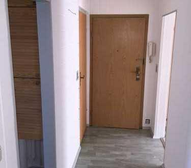 Sehr Schöne drei Zimmer Wohnung mit Einbauküche und Balkon in Meißen (Kreis), Zeithain