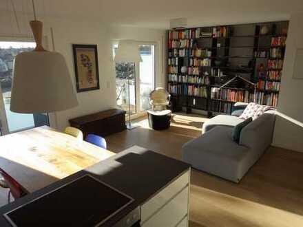 Helle, modern geschnittene 3 Zimmer mit zwei Bädern und zwei Balkonen