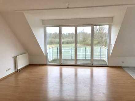 Helle 4-Zimmer-Maisonette-Wohnung mit Blick auf Weseler Auenlandschaft