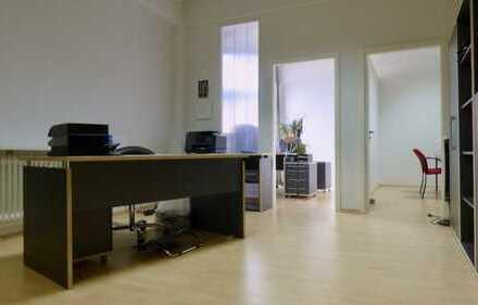 Helles Büro mit 3 Räumen (Ettlingenweier)