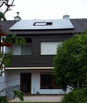 Reihenmittelhaus mit fünf Zimmern in Memmingen