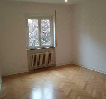 Großes, helles Zimmer in schöner Wohnung in Heilbronn, FS 20