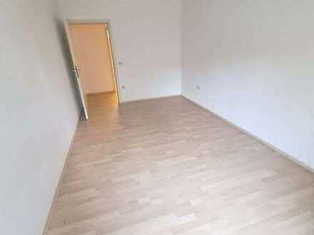 + Auerbach - Tolle 2 Zimmer Wohnung zu vermieten +