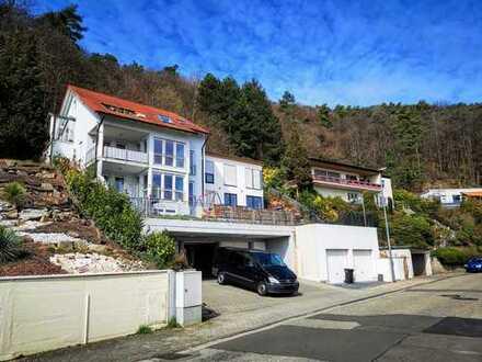 NW.-Oberhambach / ETW.- mit Fernblick und Garten in Top-Lage!