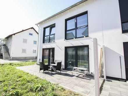 Für Familien mit Anspruch: Neuwertige DHH im Allgäu mit gehobener Ausstattung und Terrasse