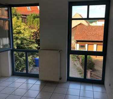 Vollständig renovierte 4-Raum-Wohnung mit Einbauküche in Schlüchtern