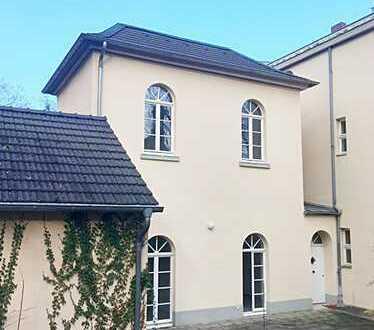 2 Zimmer Minihäuschen mit Terrasse und Carport