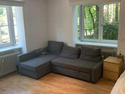 schönes, helles Zimmer in der Altstadt zu vermieten!