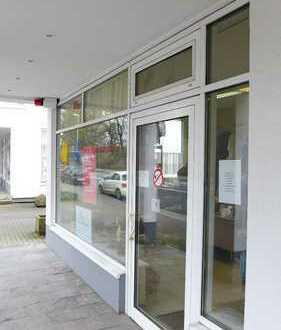 Gelegenheit, schönes Ladenlokal mit Arkadengang und PKW-Stellplatz