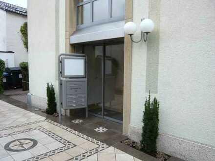 Kleine 2 ZKB-Nichtraucher-Wohnung, EBK, EBS, in Landau Zentrum