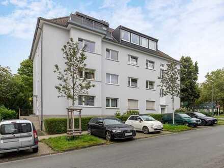 Sehr gepflegte und geräumige 3-Zimmer-ETW mit Balkon, EBK und eigener Garage