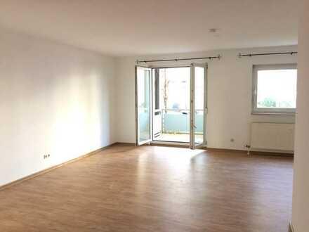 2-Zi-Wohnung mit 2 Balkonen, 2 Tiefgaragenplätzen und Einbauküche in MA-Käfertal