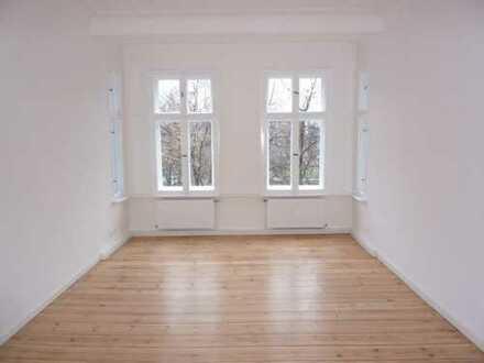 Wunderschöne 2-Zimmerwohnung direkt am Boxhagener Platz !