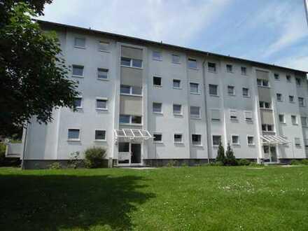 Tolle 2 Zimmer Wohnung mit Balkon- saniert- mitten im Grünen am Baunsberg