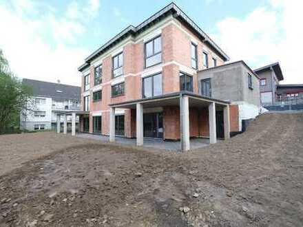 Vielseitiges, großzügiges Ausbauhaus mit ca. 296 m² Fläche. Einliegerwohnung möglich!