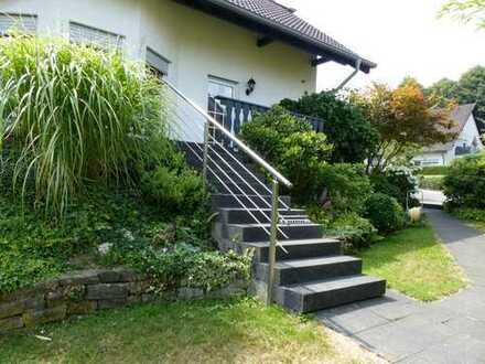 Helles u. freistehendes Wohnhaus mit Garten im Grünen