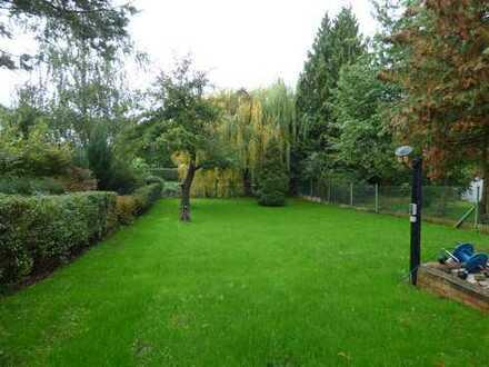 Kernsanierte Doppelhaushälfte mit uneinsichtigem Garten!