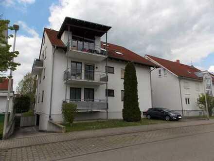 Attraktive Erdgeschosswohnung mit Tiefgaragenstellplatz in Feldrandlage (Heidelsheim)